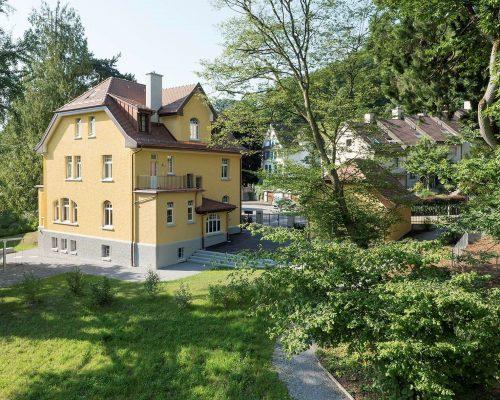 Wohnhaus in Kindergarten Baden